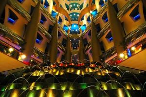 Burj Al Arab - Springvandet i lobbyen