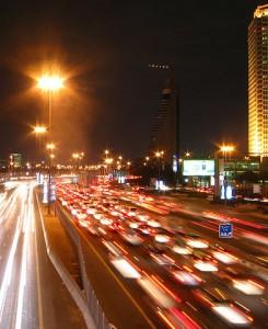 Mange biler på vejen