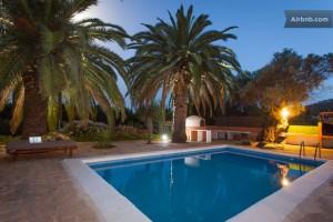 En uge i spanien for 10 personer for kr. 330,- pr. nat? (Foto: Airbnb)