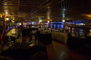 Dhow Cruise Dinner - Buffeten